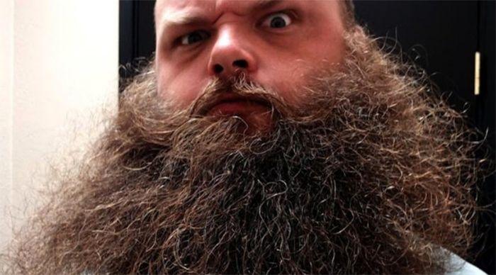неухоженная борода