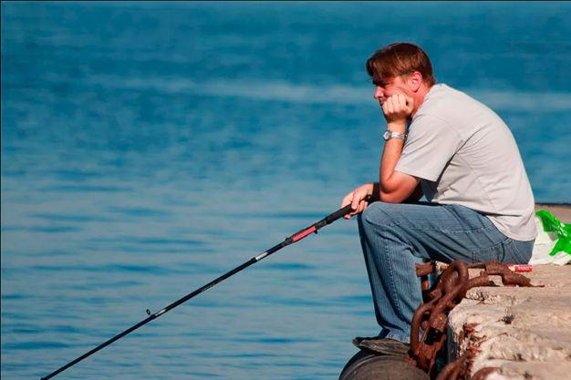 не ловит рыба